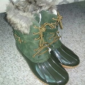 Shoes - Woman 8-9 duck boot rain Snow olive green